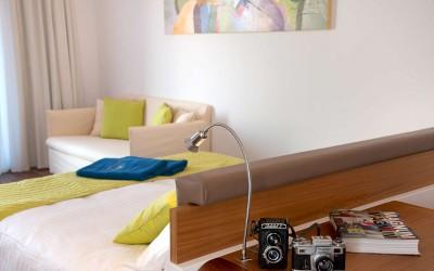 Room 1 1560
